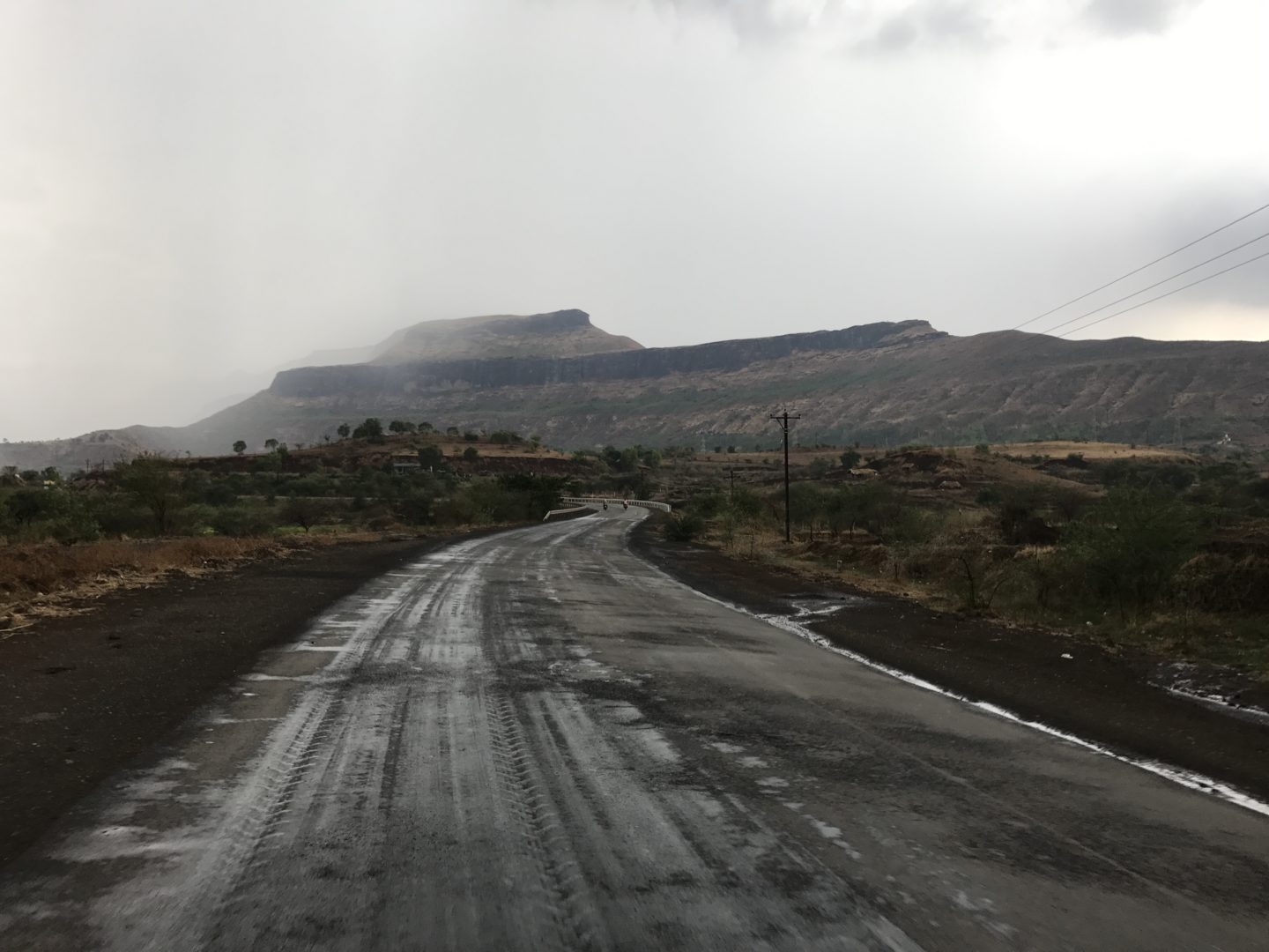 road to bhandardara