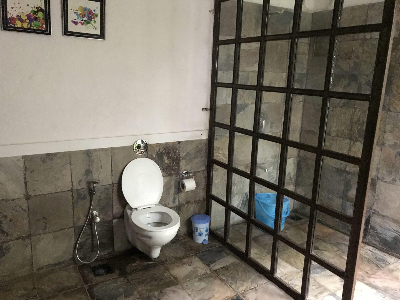casa de la luna washroom