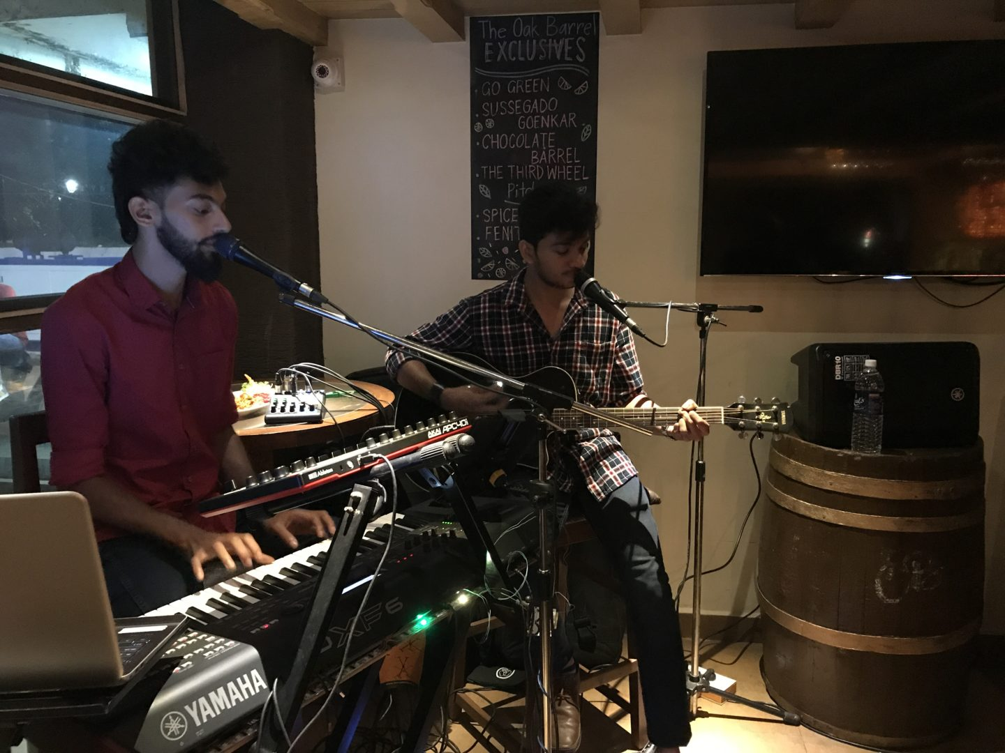 oak barrel goa live music