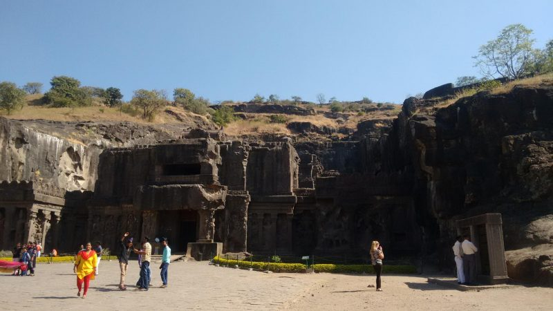 Exploring The Ellora Caves And Kailasha Temple!