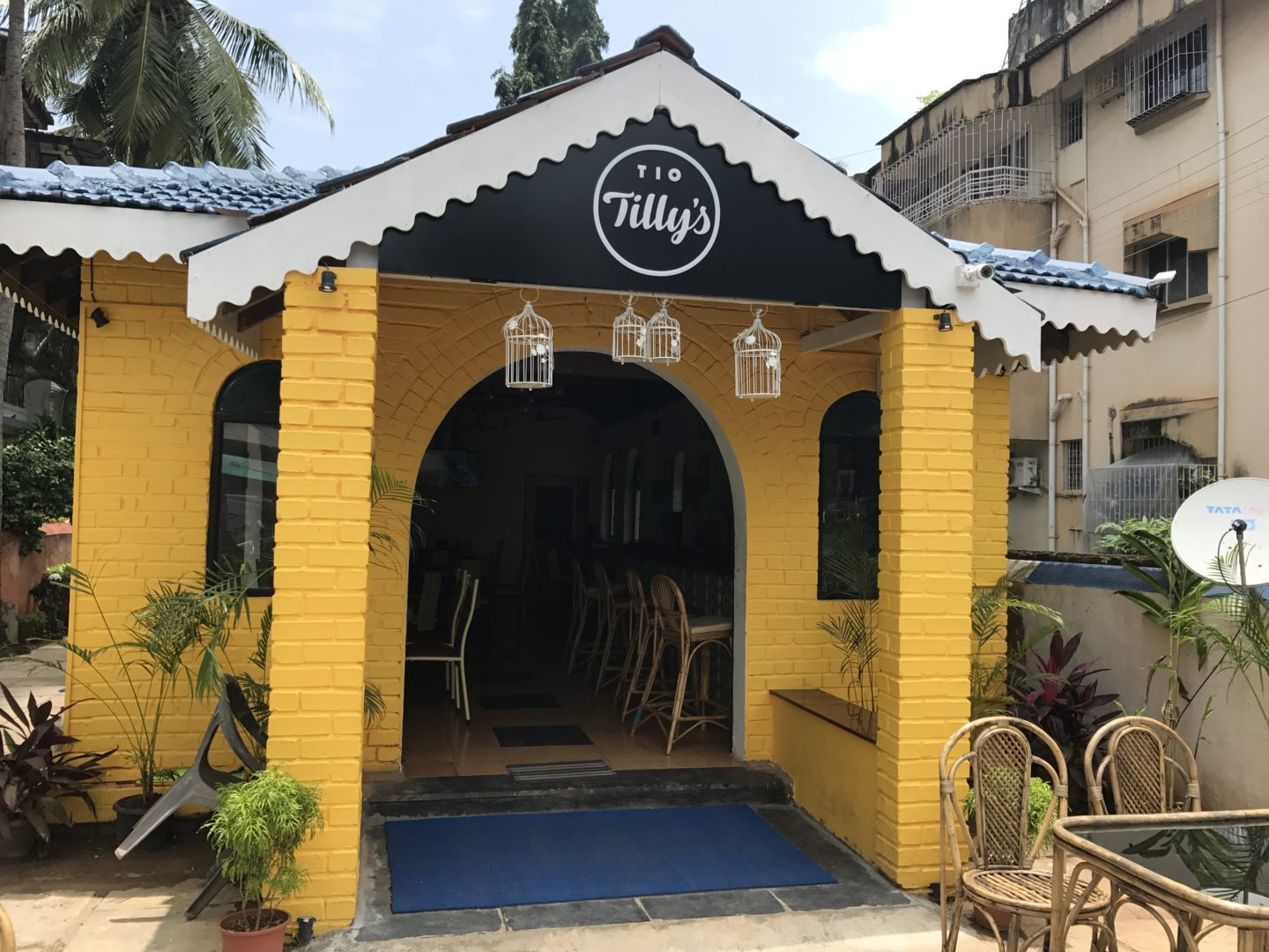 Of Burgers and Pizzas at Tio Tilly's, Goa