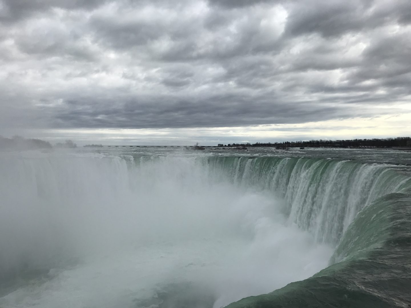 Experience the Niagara Falls in Winter