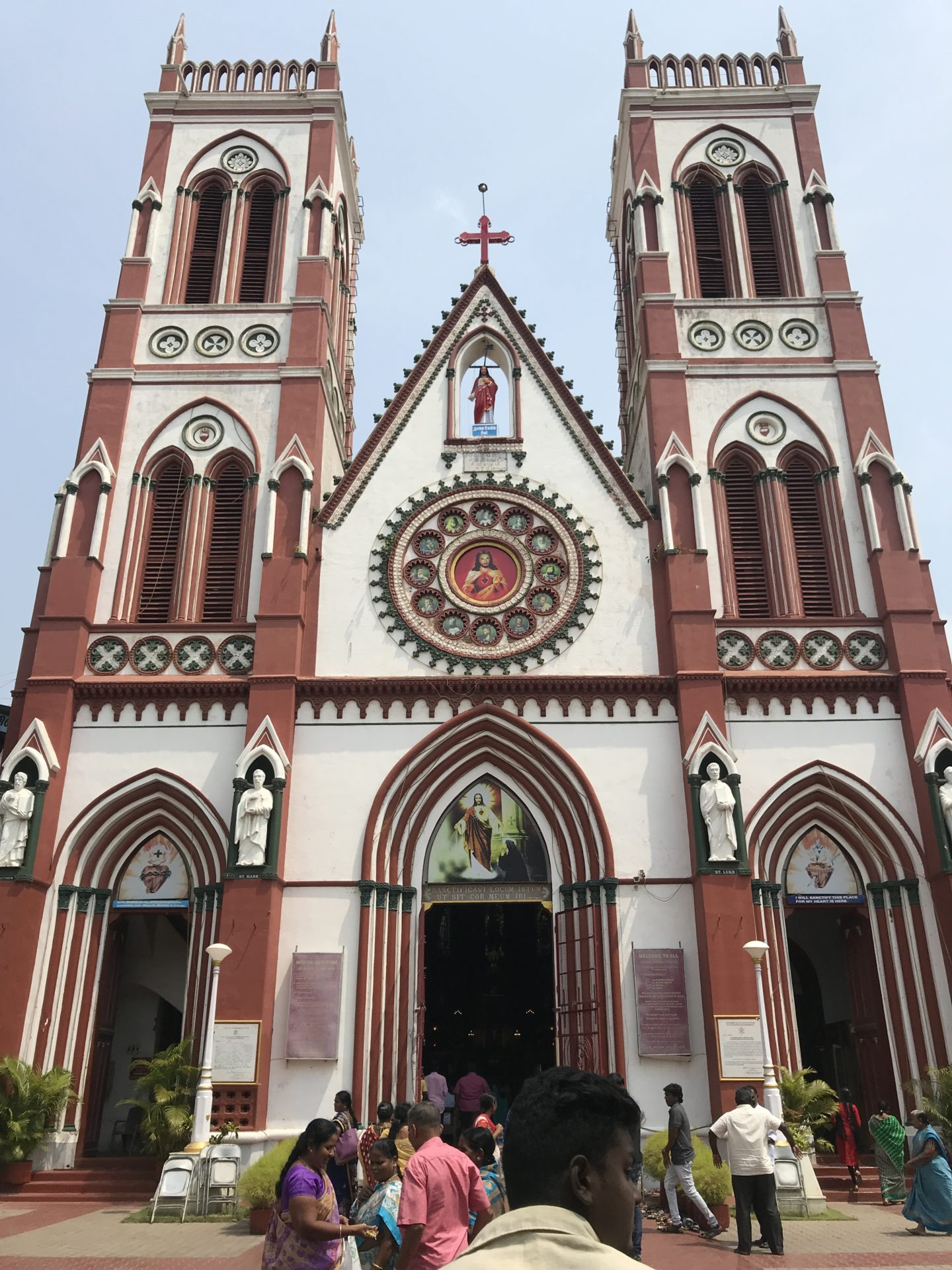 basilica of the sacred heart of jesus pondicherry
