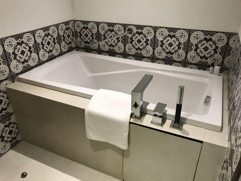 azaya bathroom