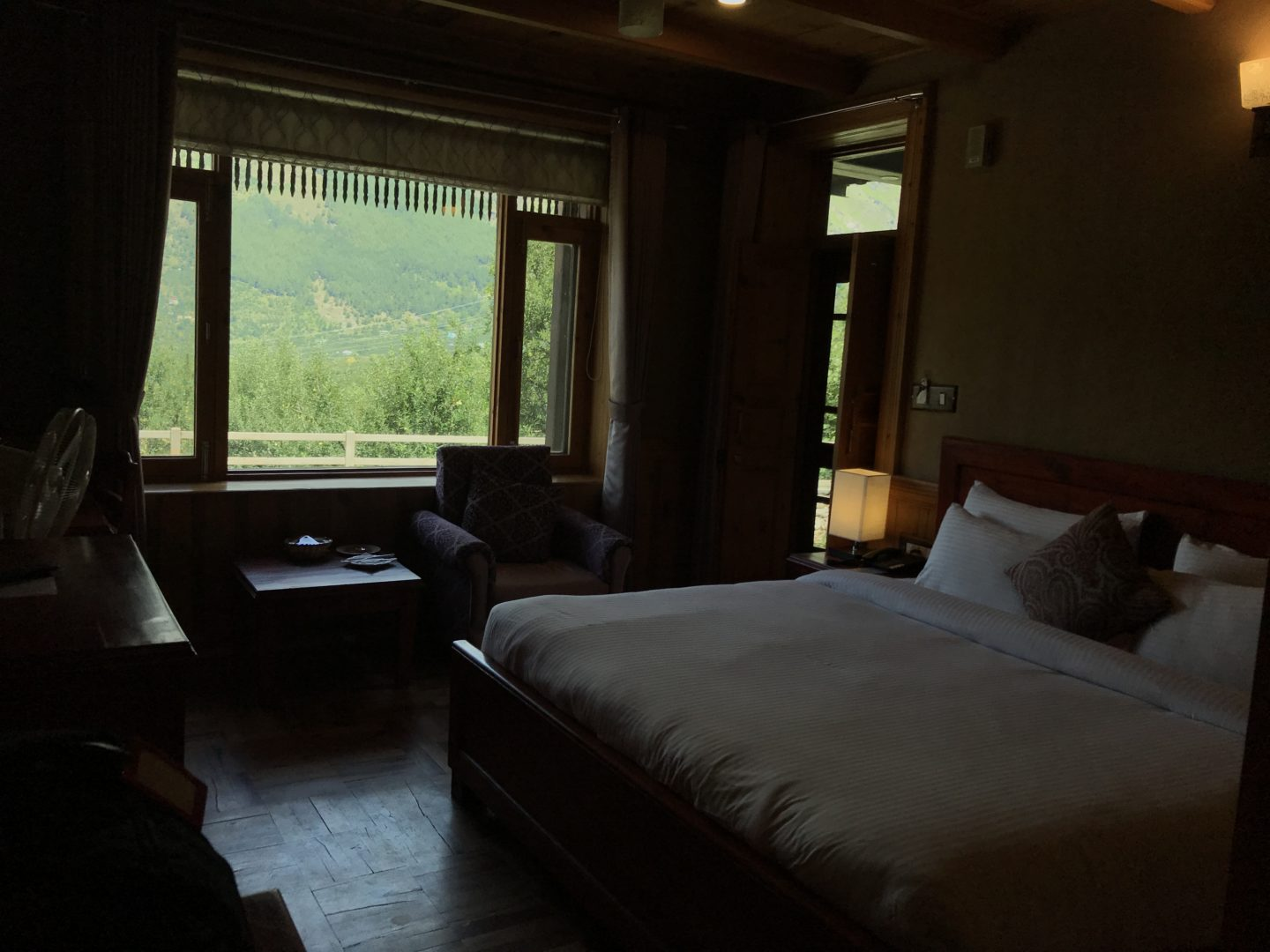 budget accommodation manali