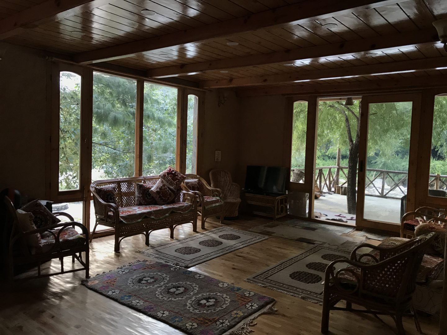 best airbnb in himachal